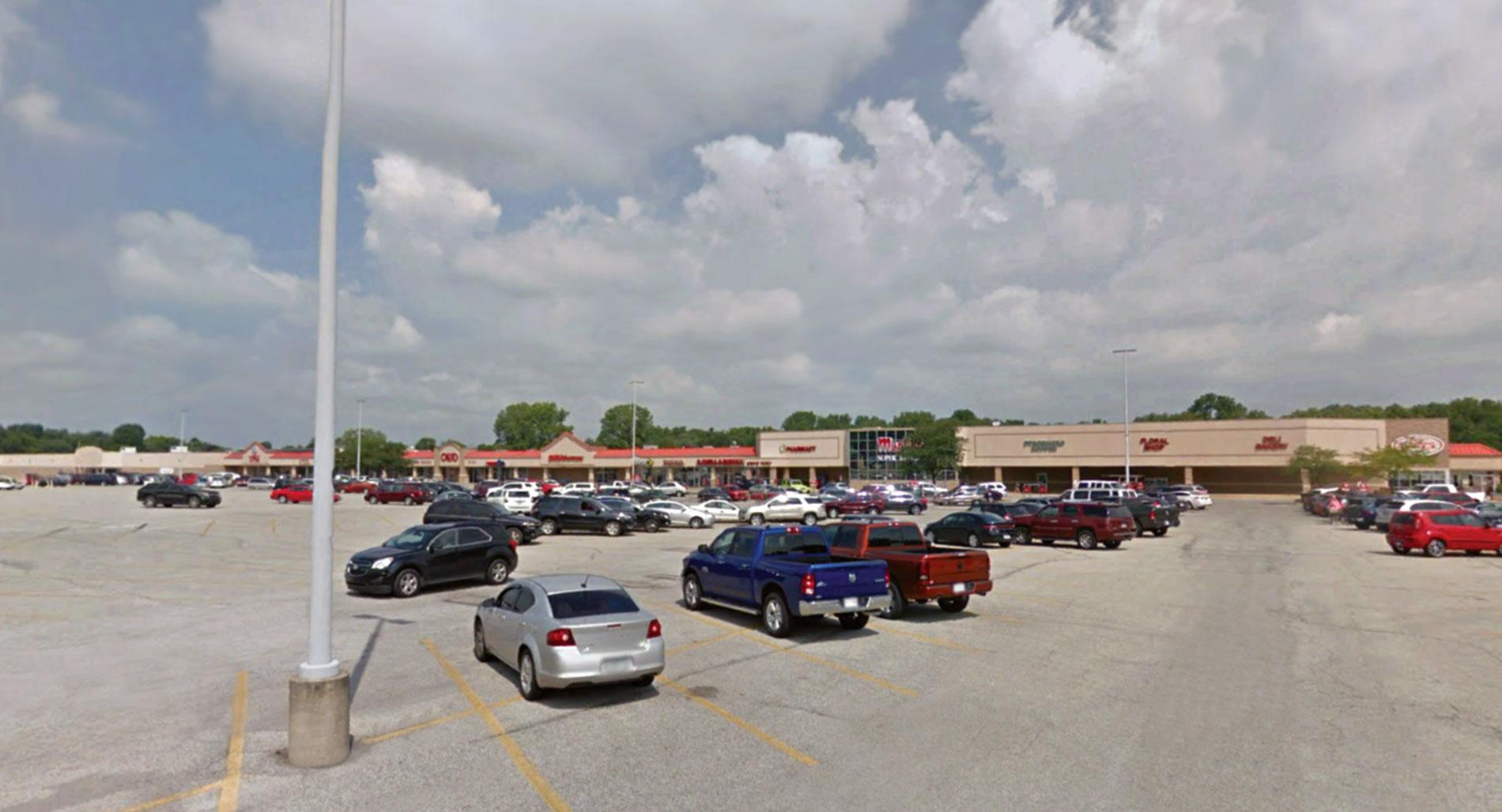 Cass Plaza Shopping Center